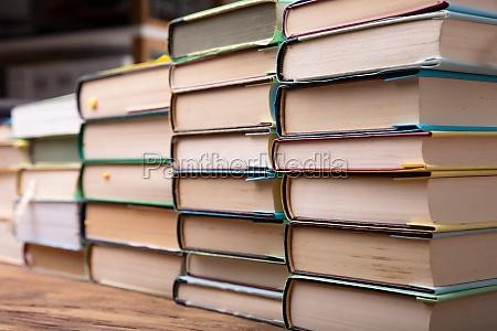 libri biblioteca compito compiti migliore lavoro