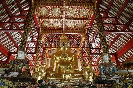 buddha statues in wat suandok chiang