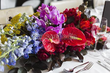 natura, morta, vibrante, bouquet, da, tavolo, tropicale - 26906384