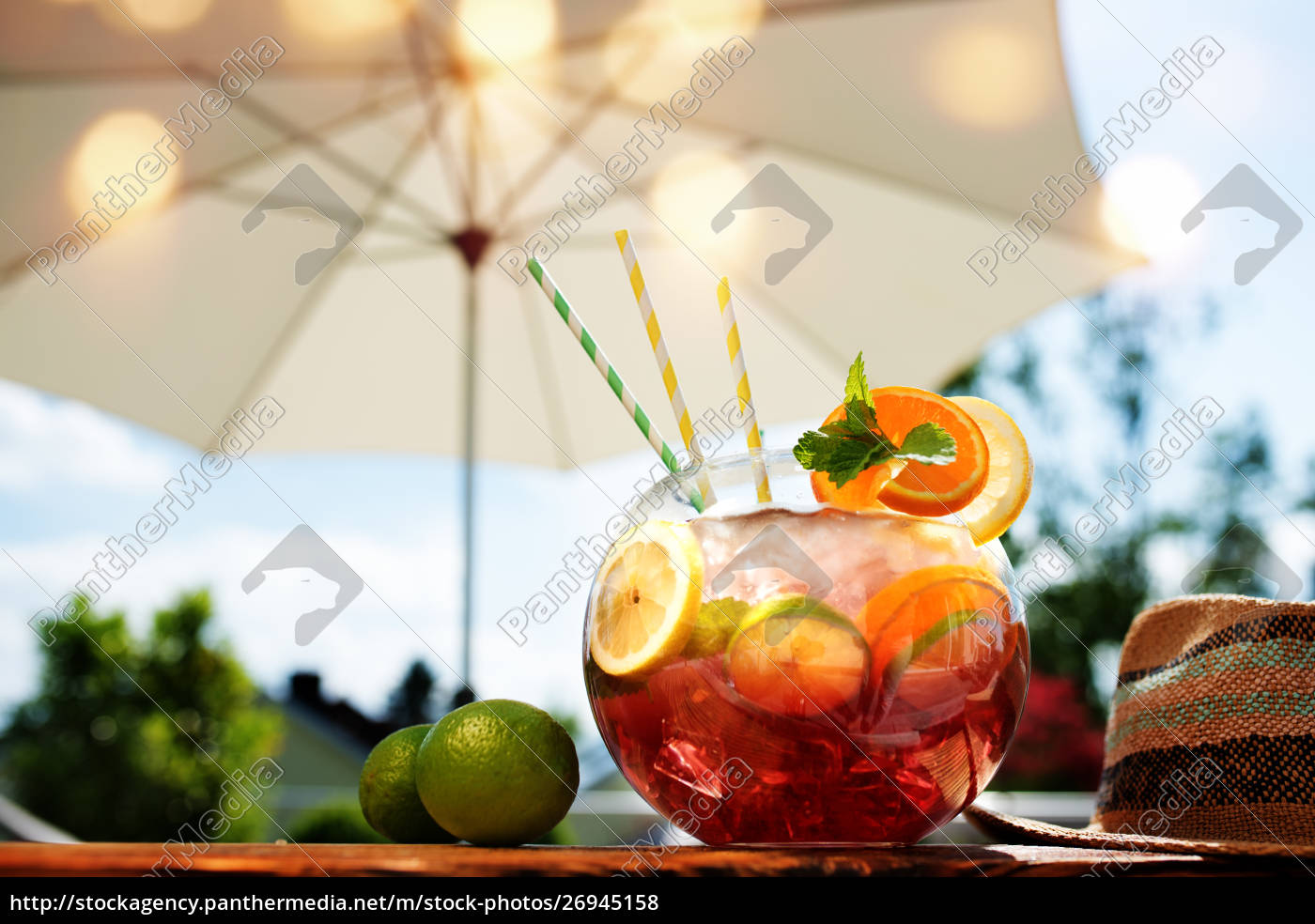 cocktail, sangria, in, estate - 26945158