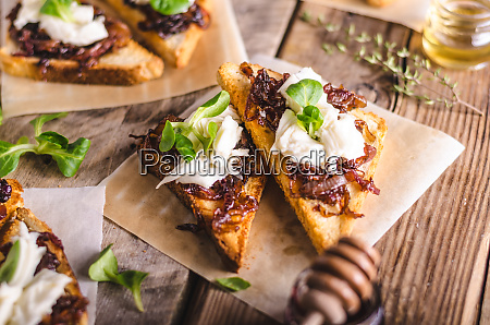 rustic toast with caramelized onion and