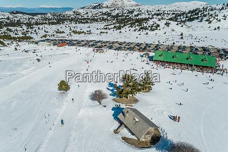 vista aerea della stazione sciistica situata
