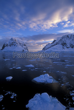 antarctica sunrise near lemaire channel antarctic