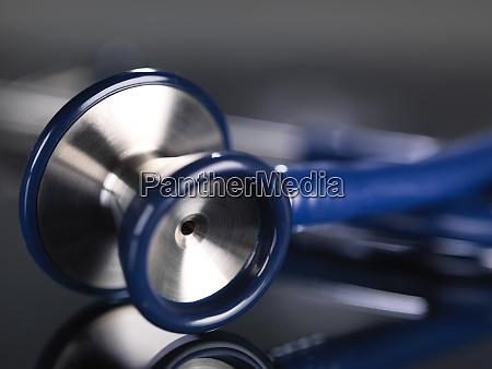 primo, di, stetoscopio, sul, tavolo - 28017252