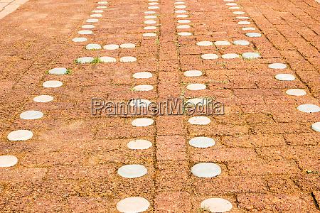 il pavimento e in cemento rosso