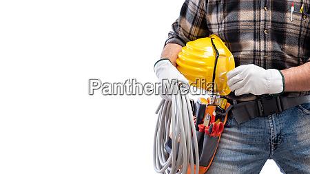 elettricista con cintura utensili su sfondo