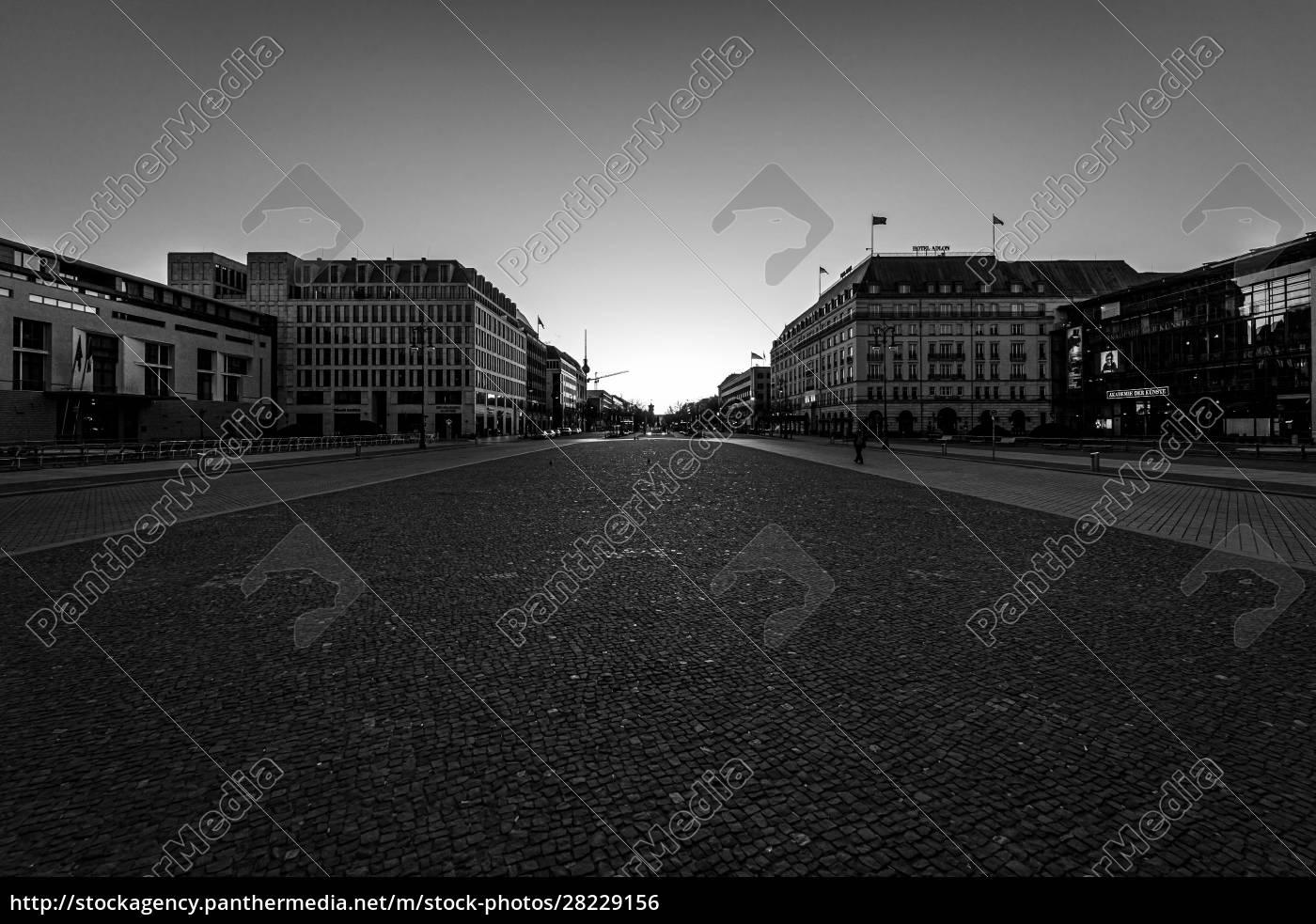 berlino, -, march, 22, 2020:, il, cinque - 28229156