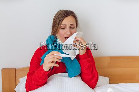 donna contratta covid 19 o uninfluenza