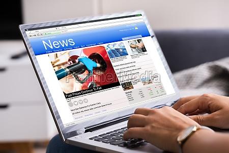 lettura del sito web di notizie