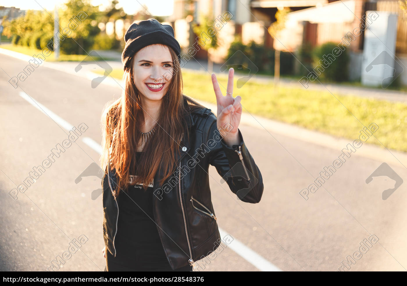 felice, ragazza, adolescente, cool, con, lunghi - 28548376