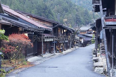 edifici tradizionali su nakasendo way tsumago