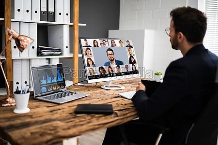 riunione di colloquio in videoconferenza online