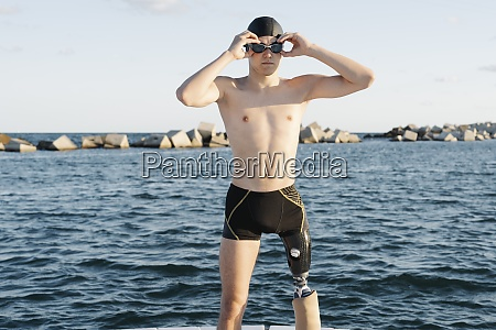 amputee, male, wearing, swimming, goggles, while - 29119324