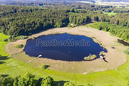 vista drone sul lago rothsee in