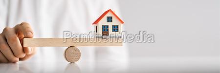 house, price, equilibrium., seesaw, money, balance - 29683842