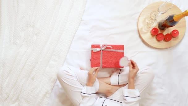 rosso bianco vista regalo scatola festeggiamento